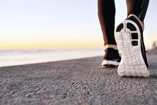 Alt, du skal vide om de forskellige typer af løbesko, og hvordan du vælger den rigtige løbesko for d